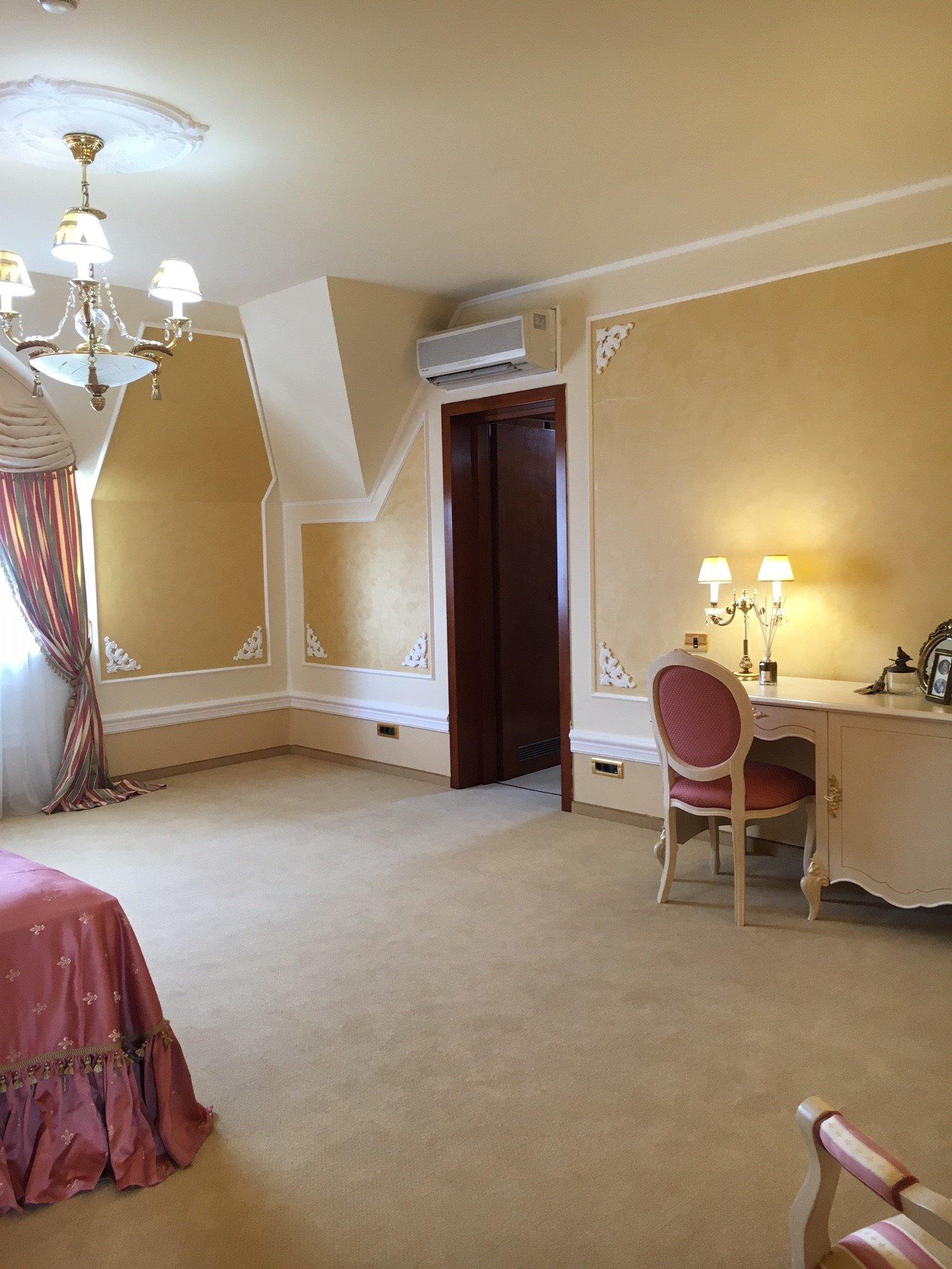 HOTEL ROOM BOUTIQUE 5 STAR BUCHAREST CLASSIC INTERIOR DESIGN
