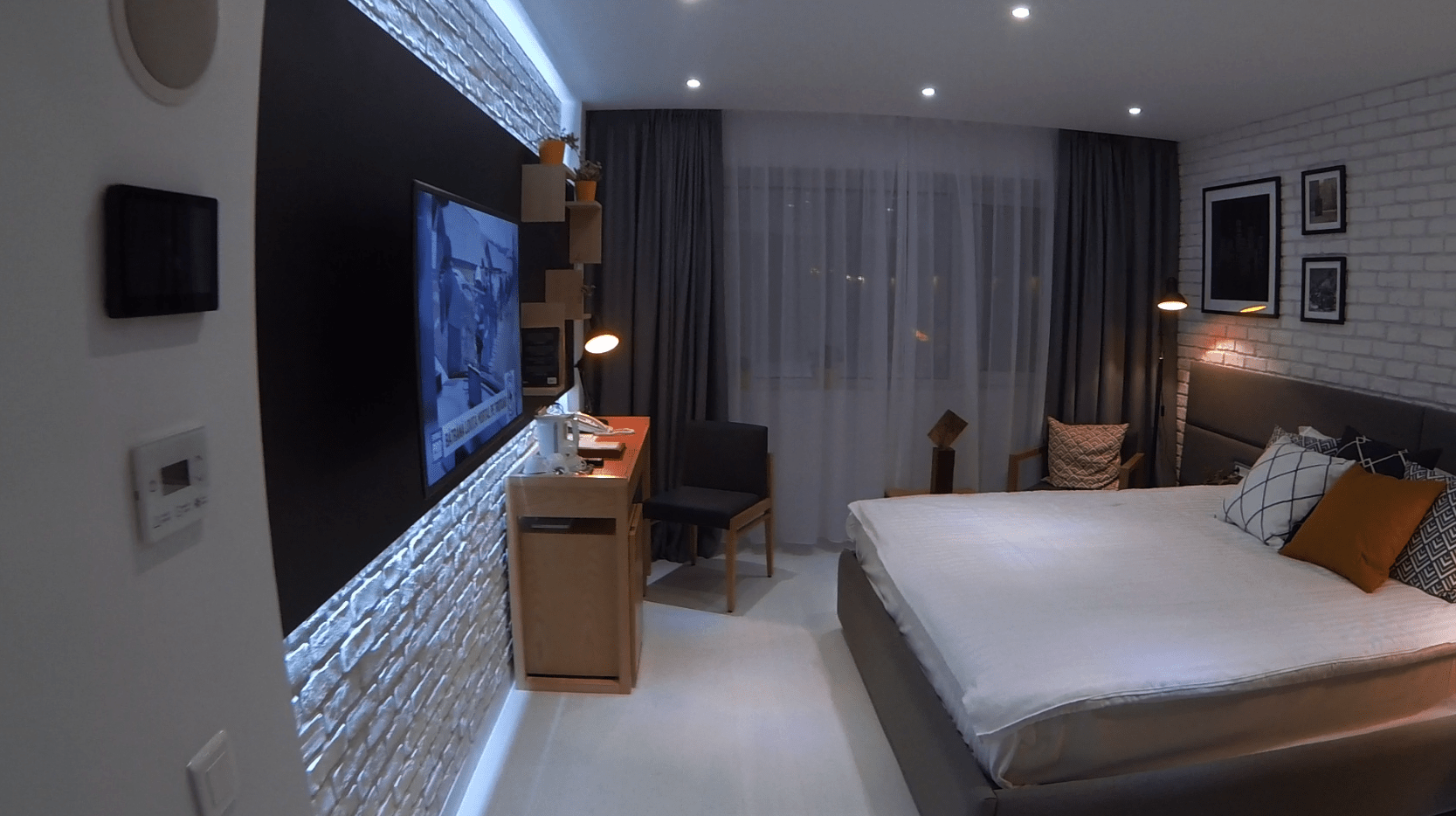 HOTEL ROOM, BUCHAREST – NEW YORK INDUSTRIAL LOFT DESIGN | Studio inSIGN